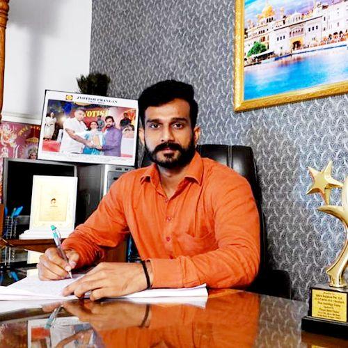Astrologer Anand Sharma