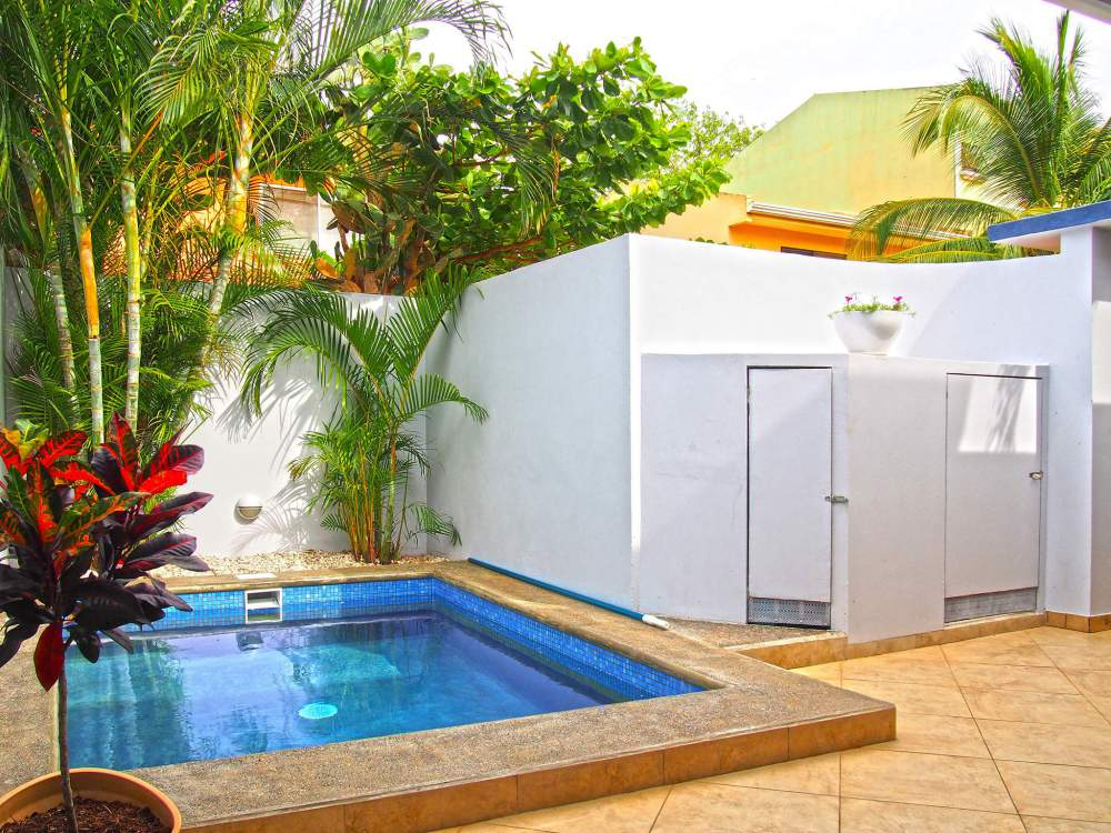 Villa Thoga Vacation Rentals & Tours