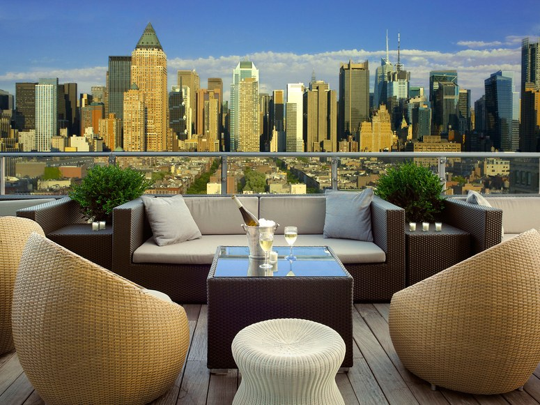 612039933dd3866e5bf8b6dc991750834fdeb_02-nyc-rooftops-The-Press-Lounge-at-Kimpton-Ink48-Hotel-cr-courtesy.jpg